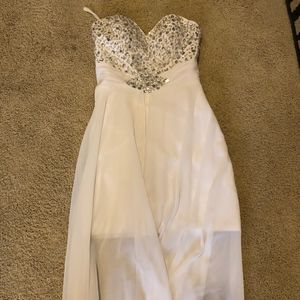 Macy's White Chiffon Formal Dress (NWOT)